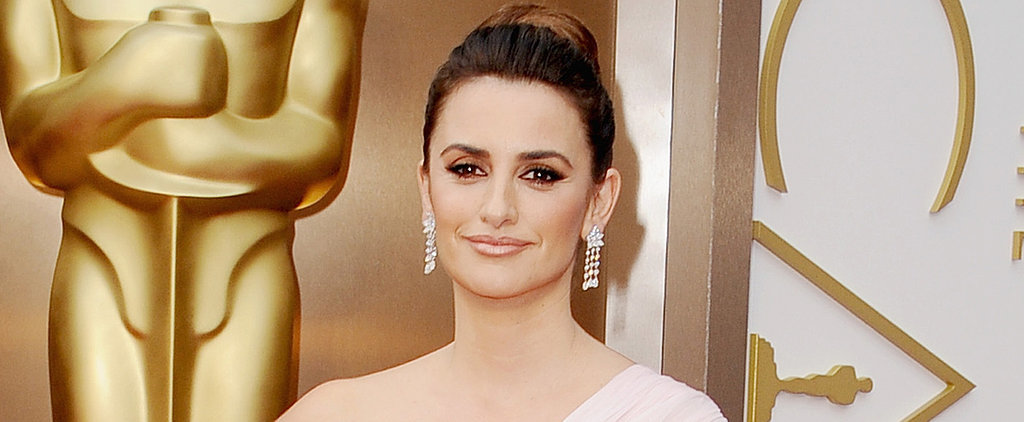 Penélope Cruz Takes a Solo Trip Down the Red Carpet
