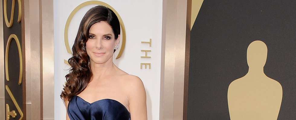 Did Sandra Bullock Nail the Monochromatic Look?