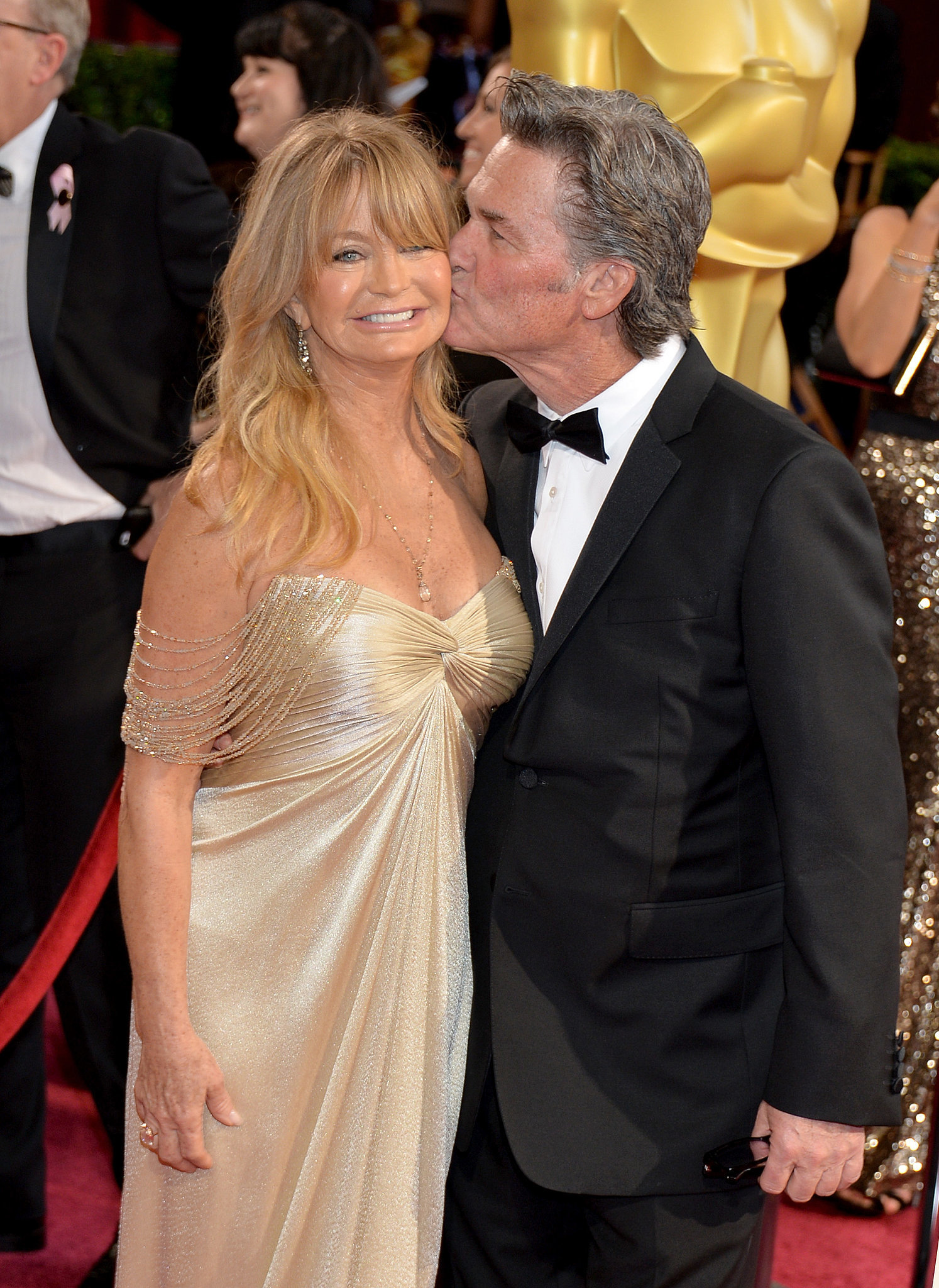 Kurt Russell gave Goldie Hawn a kiss on the red carpet — they were just one of many sweet couples at the Oscars.