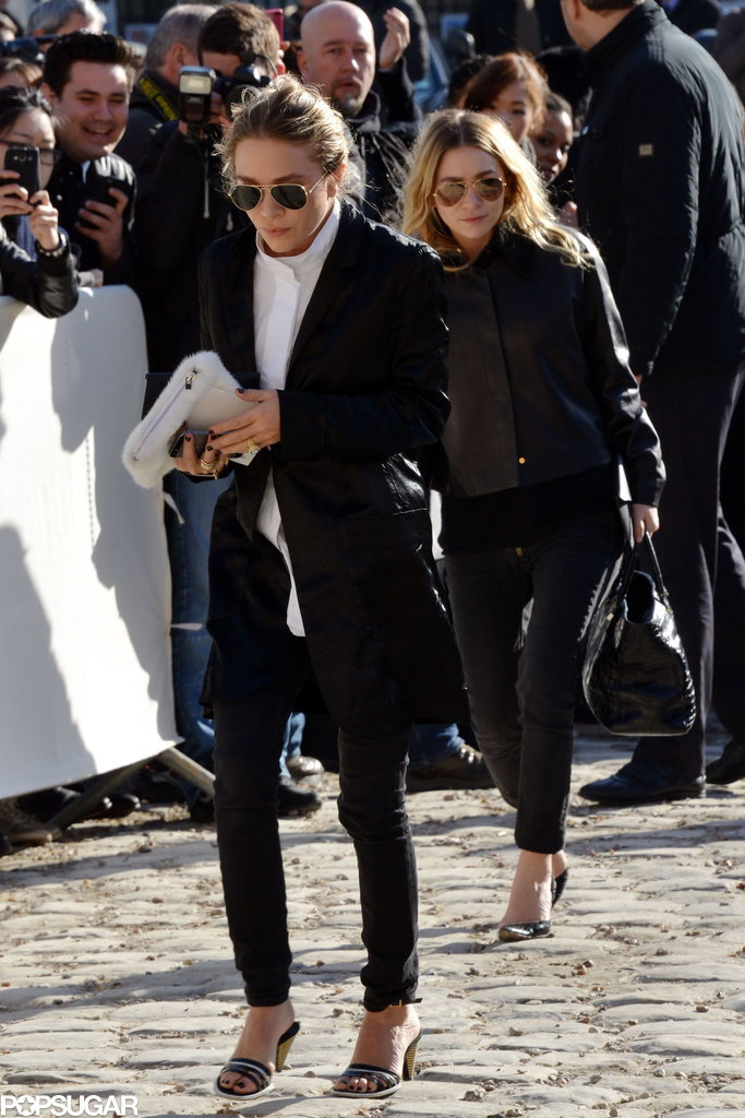 On Wednesday, Mary-Kate Olsen and Ashley Olsen arrived at the Louis Vuitton show in Paris.