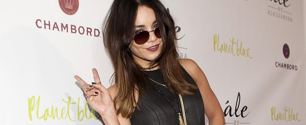 Vanessa Hudgens Chops Her Hair Into the Ultimate Cool-Girl Cut