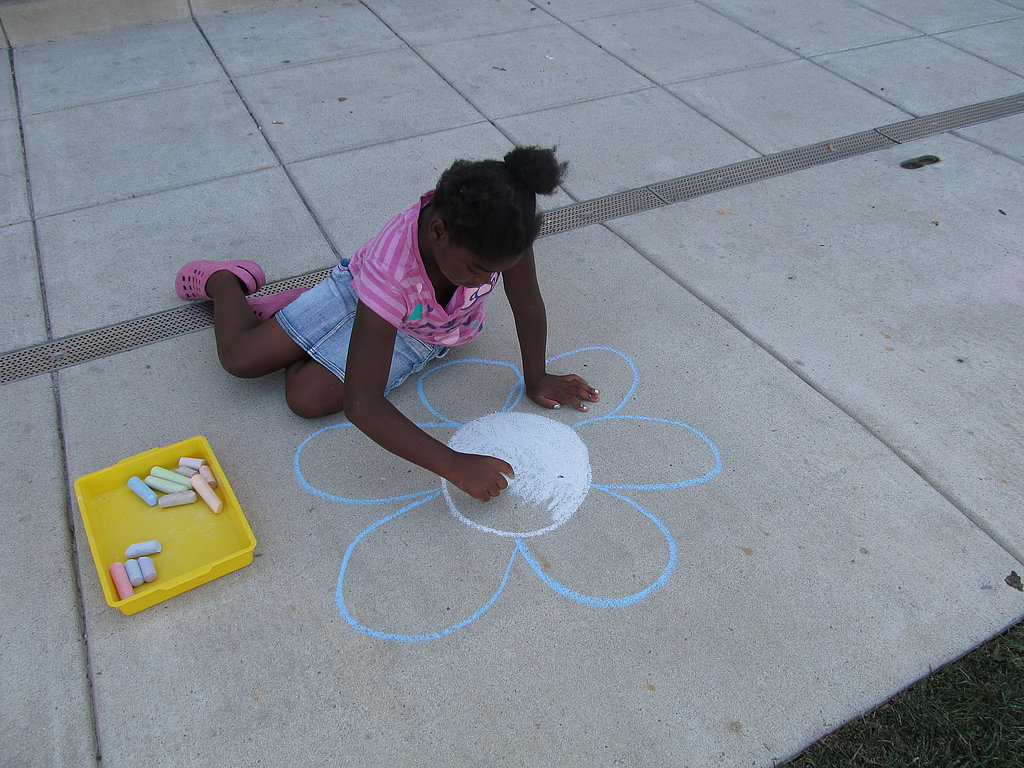Play Sidewalk Chalk Pictionary
