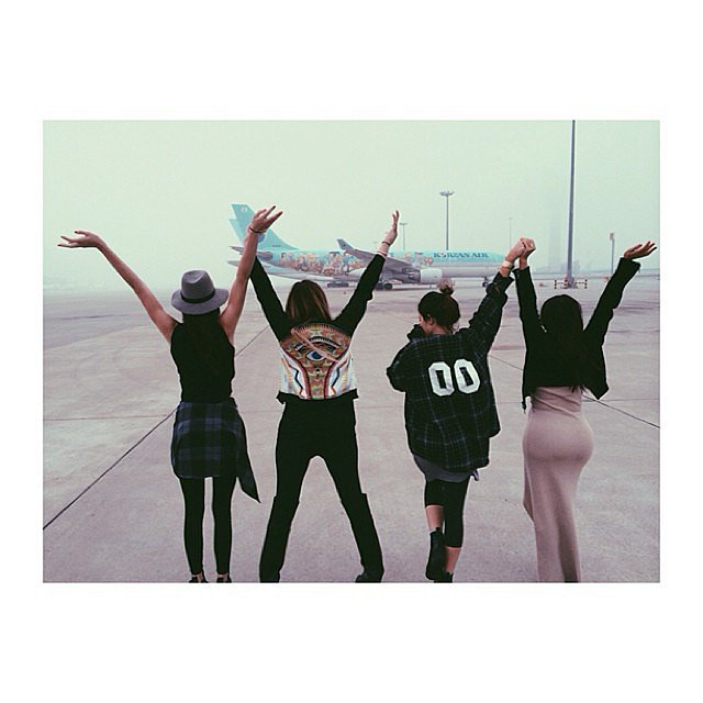 The gals prepared to leave LA. Source: Instagram user kyliejenner