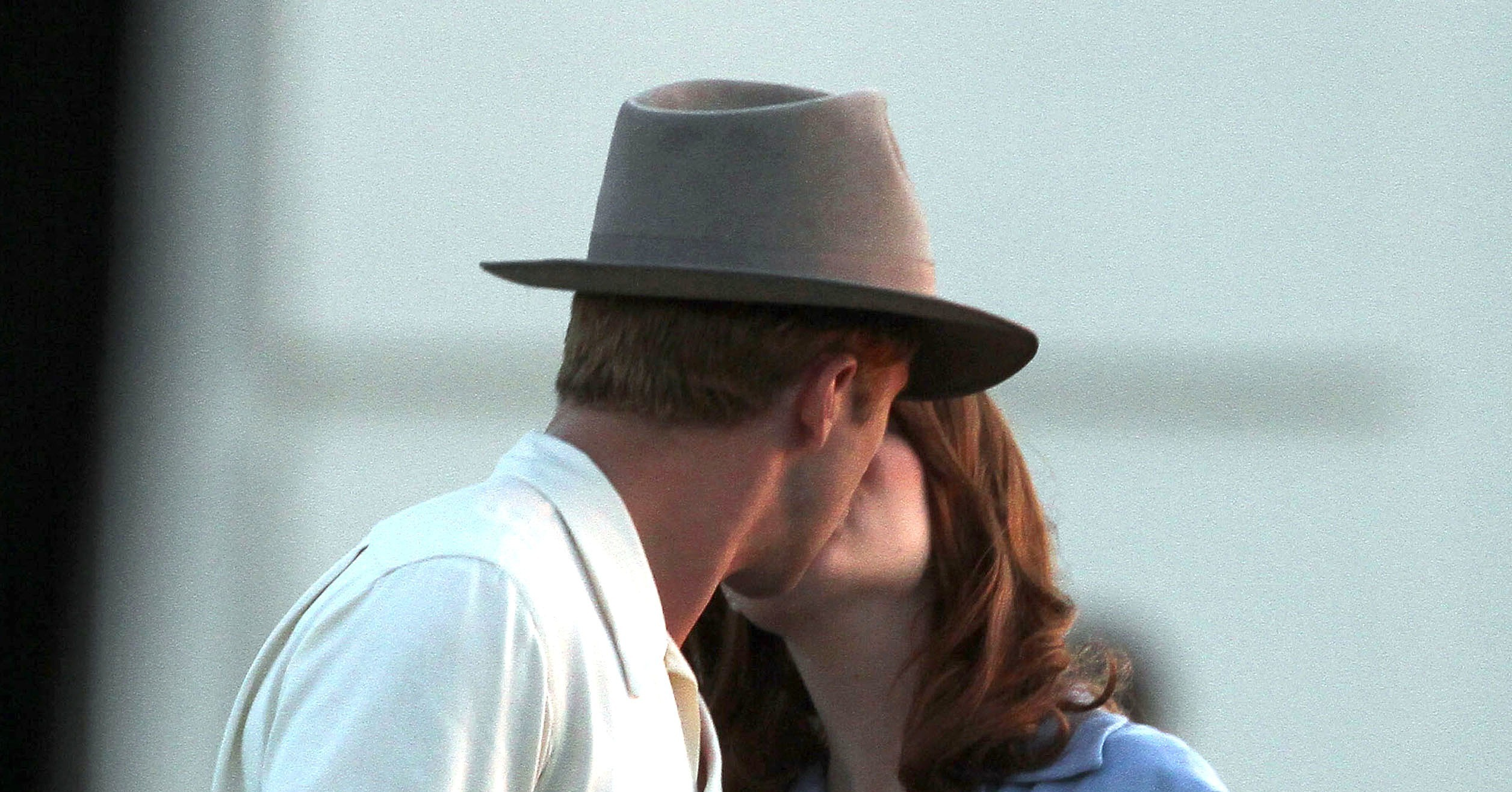 Viewing Gallery For - Ryan Gosling Emma Stone Kiss Emma Stone And Ryan Gosling