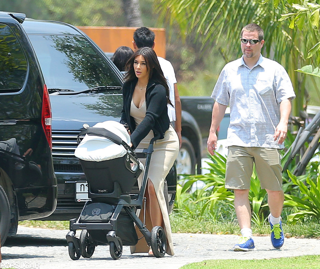 Kim and her daughter North arrived at the house where the whole family stayed.