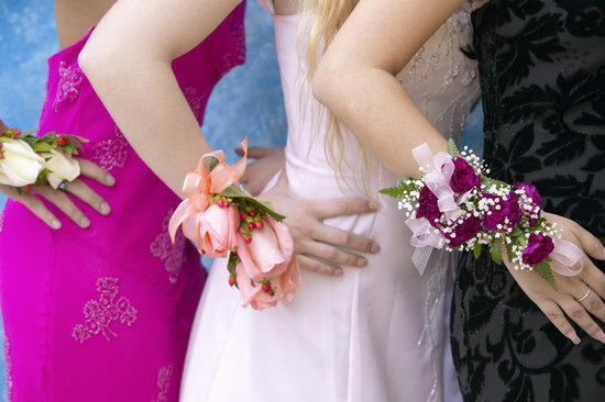 Your Go-To Guide For Prom Dress Shopping With Your Daughter
