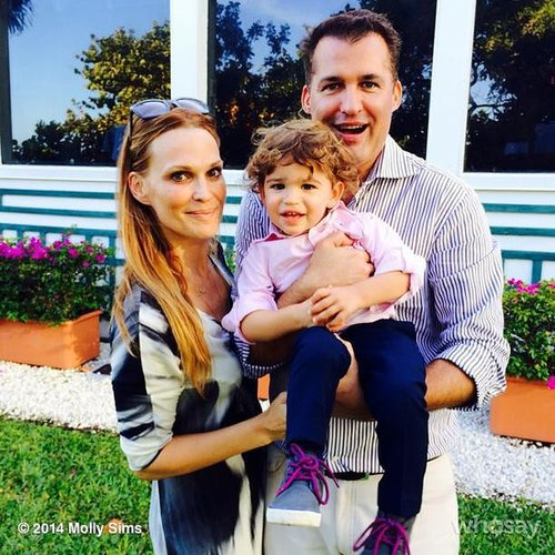 Molly Sims took a moment to appreciate her family —son Brooks and husband Scott Stuber. Source: Instagram user mollybsims