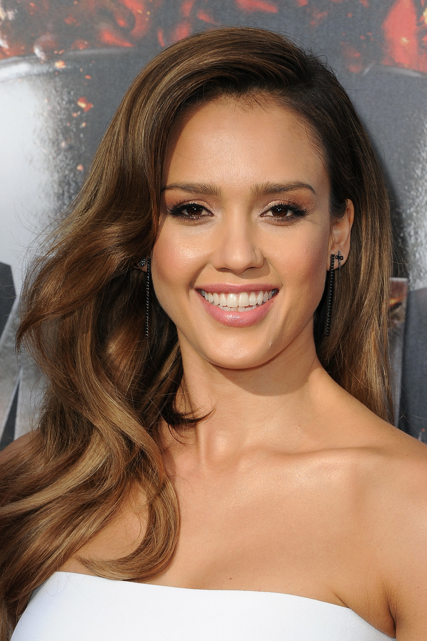 Jessica Alba S Hair And Makeup At Mtv Movie Awards 2014