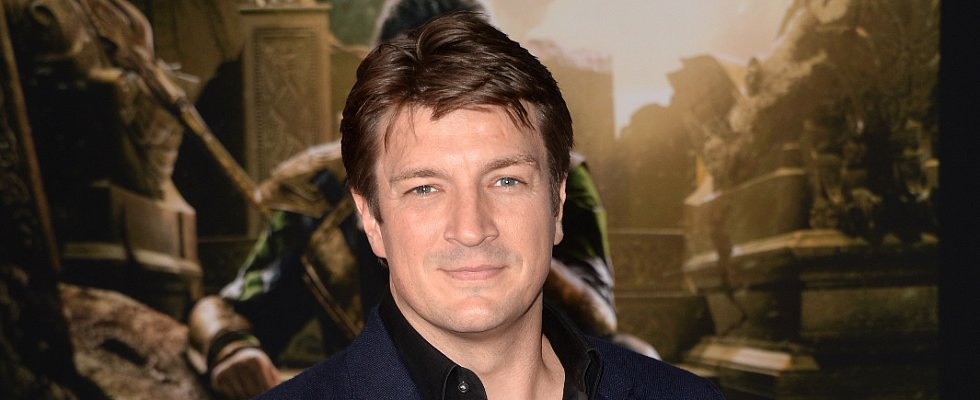Nathan Fillion Is an Equal-Opportunity Comic-Book Toenail Artist
