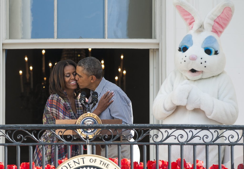 The Obamas had a third-party observer while kissing on the balcony.