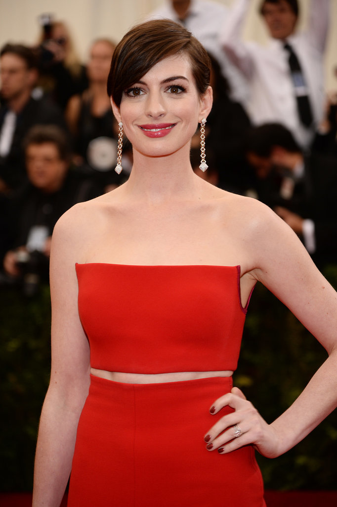 Anne Hathaway Is a Met Gala Lady in Red
