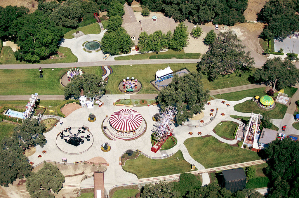 Her 14th Birthday Party Was at Michael Jackson's Neverland Ranch