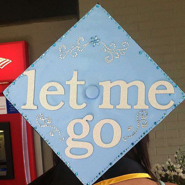 Yet another Frozen grad cap. Source: Instagram user missmartini