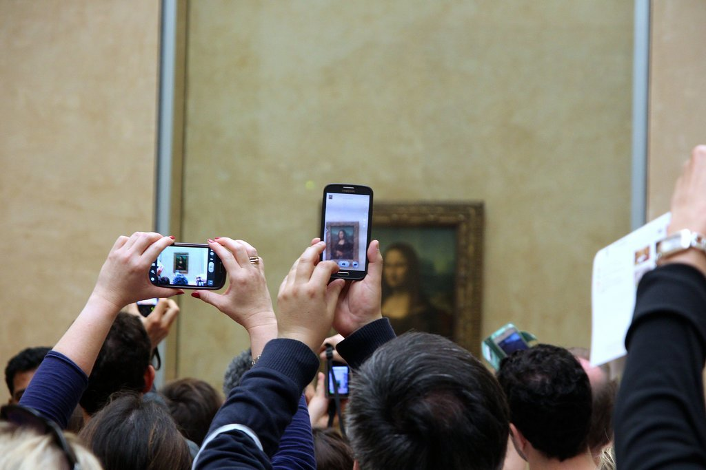 "You Could Actually See the ""Mona Lisa"" Without Phones Flashing in Front of You"