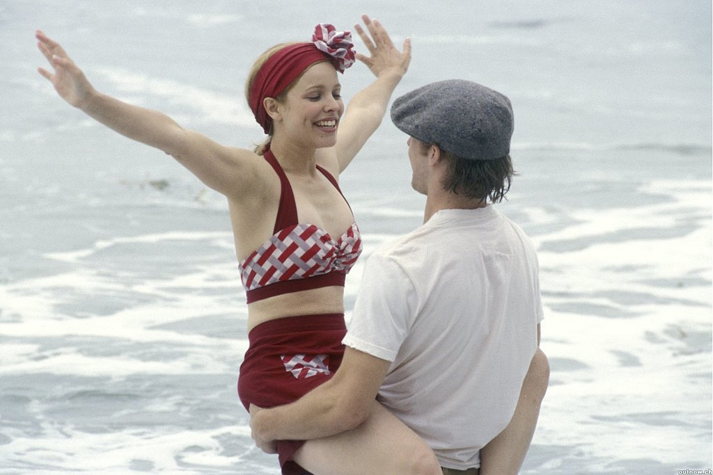 These 10 Summer Movie Romances Can Still Make You Swoon