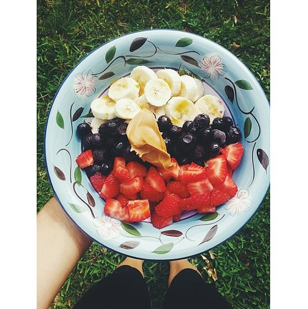 Why not take your oats outside on a Summer day? Here's the classic red, white, and blue combo of berries and banana. Source: Instagram user ely_vigistain