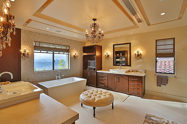 Another look inside one of the home's several bathrooms.  Source: Trulia