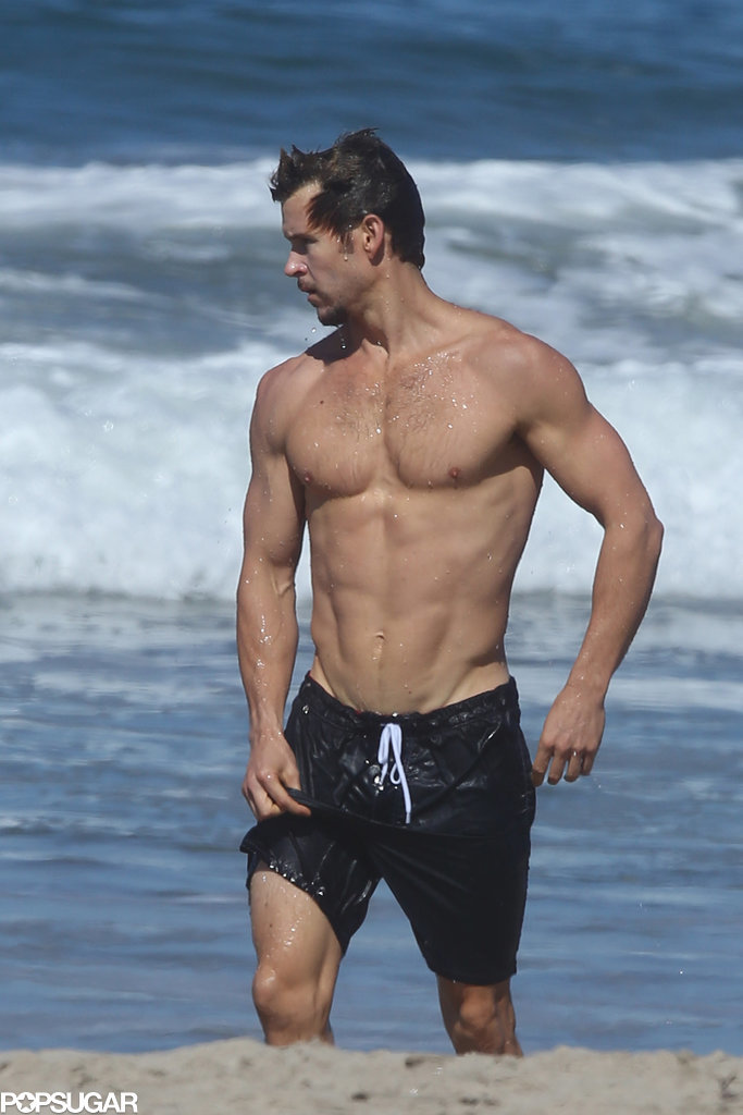 ryan kwanten shirtless on the beach in la pictures