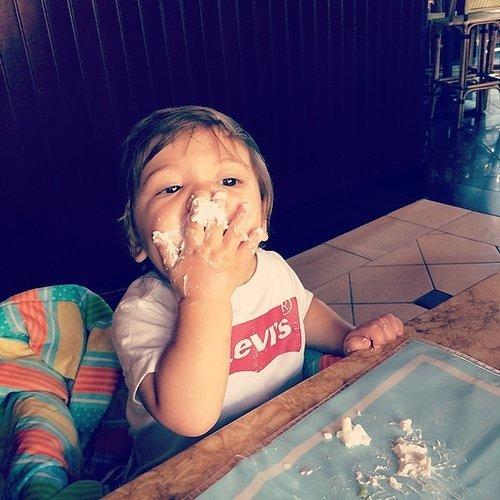 Beau Dykstra really loves his cake —like his mom, Jamie-Lynn Sigler. Source: Instagram user jamielynnsigler