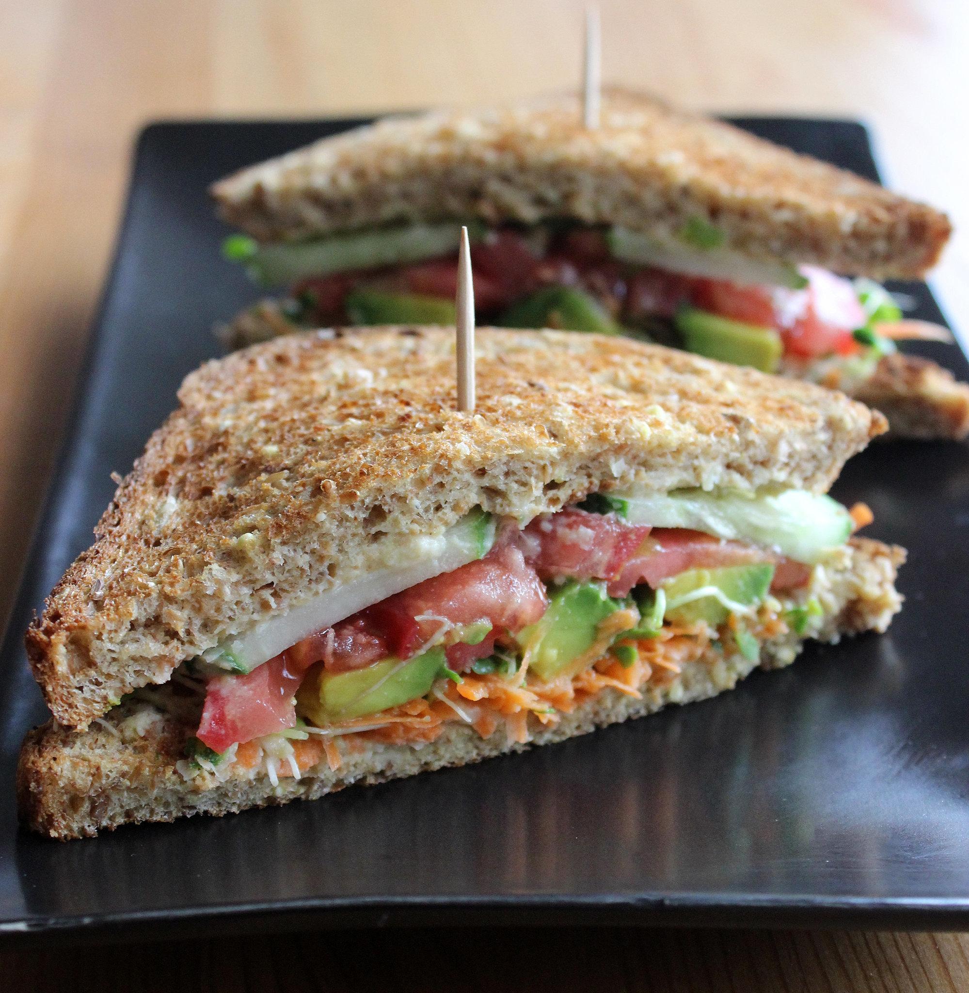 Hummus and Veggie Sandwich | 18 Healthy Sandwich Ideas That Make ...