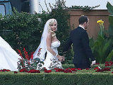 Jenny McCarthy's Wedding Gown Is Super-Glamorous (PHOTOS)