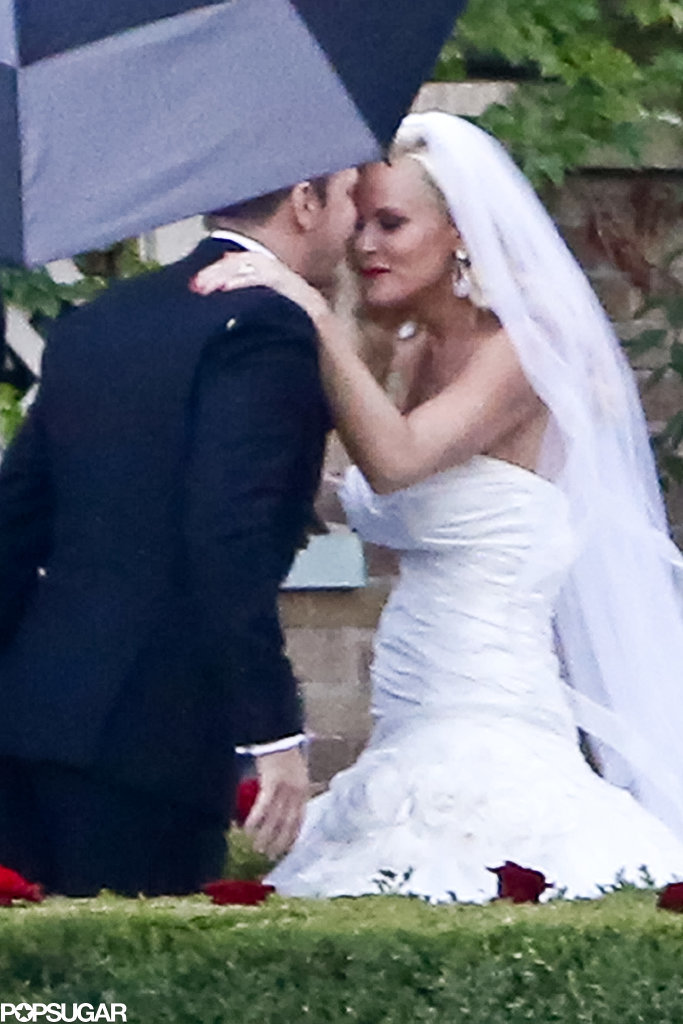 Jenny McCarthy and Donnie Wahlberg Tie the Knot — See Their Pictures!
