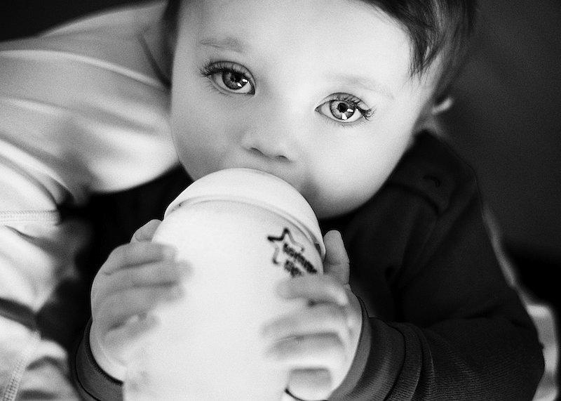 Bottle-Feeding-Your-Baby