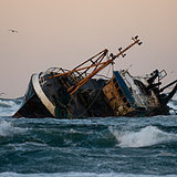 5 Epic Disasters at Sea (Survived by Un-killable Badasses)