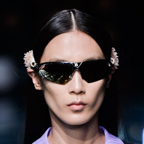 McQueen, Chanel, and More! See the Best Beauty Looks From PFW