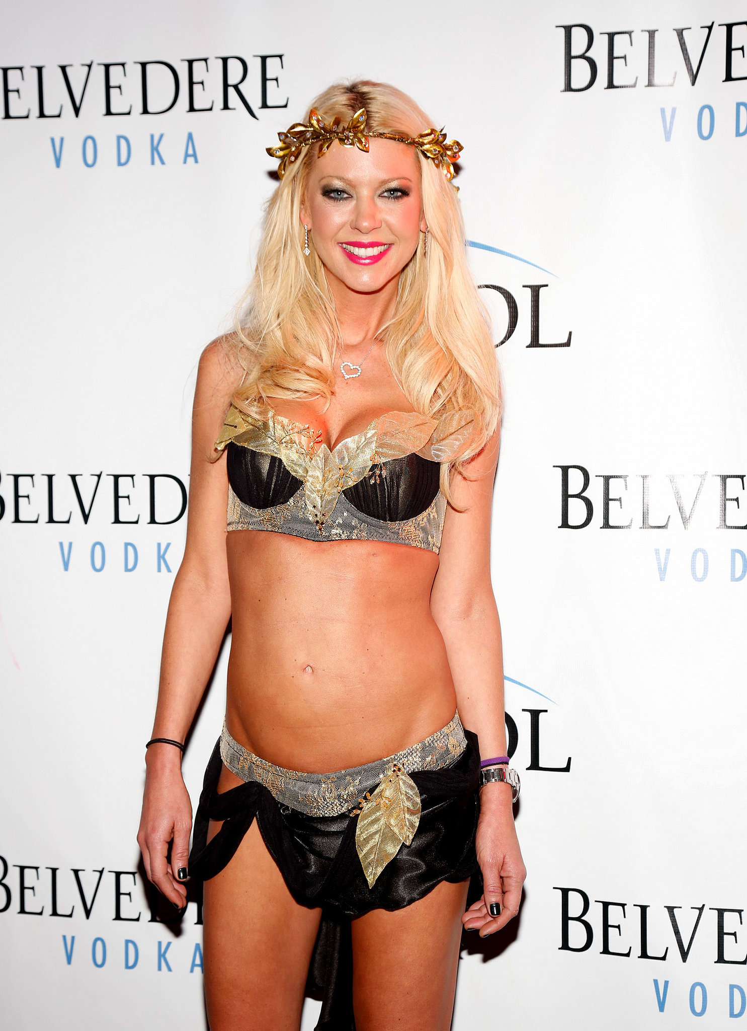 tara reid hosted a 2013 halloween party in a skimpy