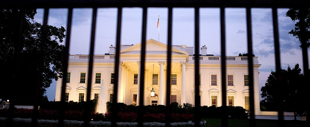 Man Taken Into Custody After Jumping Over the White House Fence