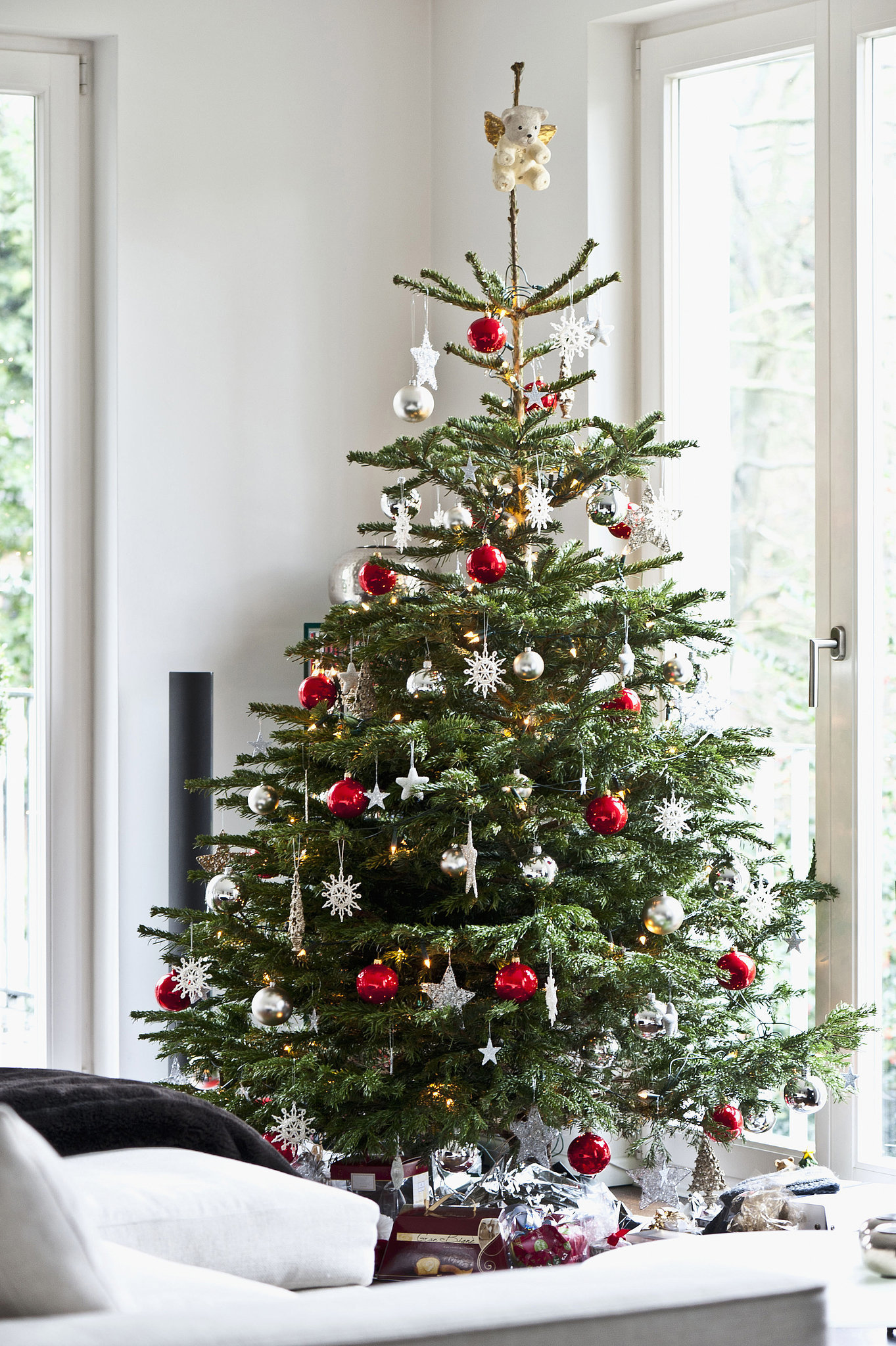 Tips for decorating your christmas tree popsugar home for A christmas tree decoration