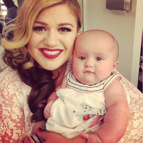 Kelly Clarkson's Cute Family Instagram Pictures