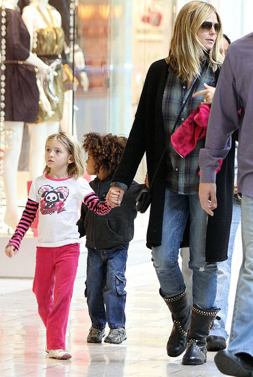 Heidi Klum goes shopping with her kids