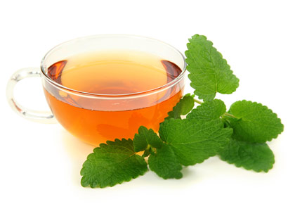 Lemon balm Tea for Cold Sores Lemon balm is a first-choice herbal treatment for cold sores, which are caused by a type of herpes virus (not the same kind that's sexually transmitted). It has antiviral properties that work to tame herpes outbreaks, says James Duke, PhD, author of The Green Pharmacy. Prepare lemon balm tea by brewing 2 to 4 tablespoons of the herb per cup of boiling water. Let it cool, then dot with a cotton ball on the cold sore several times a day.
