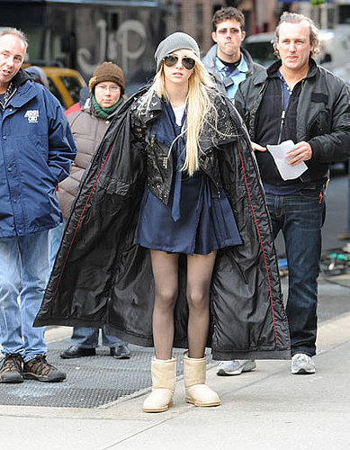 2 funny 2 look at Taylor Momsen
