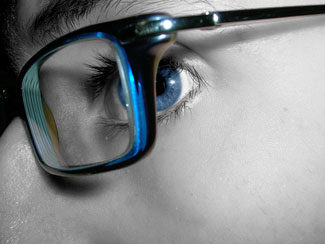 How to Choose Eyeglasses by Your Eye Color