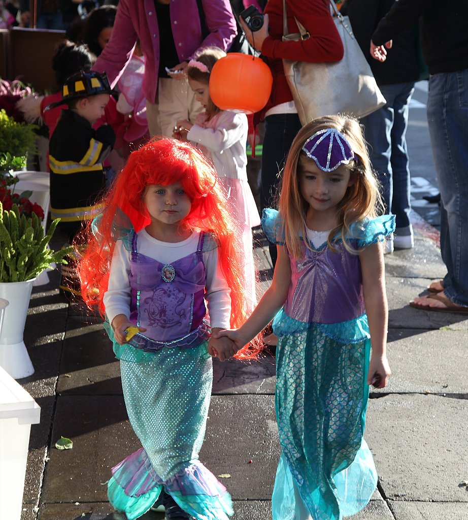 Ariel (Katie Sugar!) and Mini Mermaid