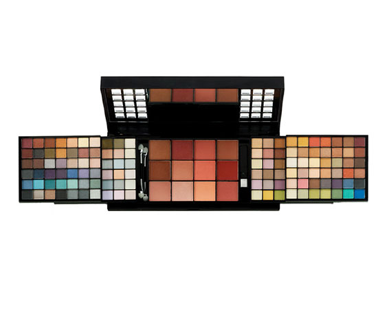 13 Ridiculously Huge Makeup Gifts For Holiday Giving