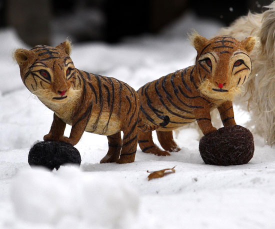 Hair of the Tiger: Big Cat Sculptures Made of Human Hair