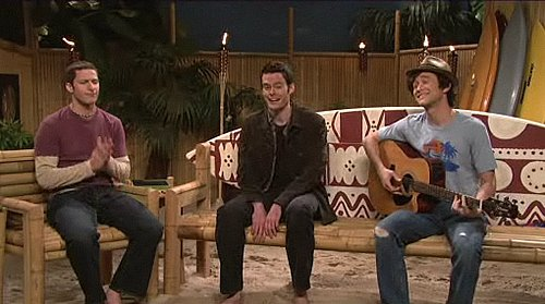 "Video of Joseph Gordon-Levitt Playing Jason Mraz in SNL Skit ""The Mellow Show"""