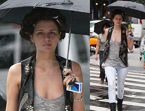 Photos of Mischa Barton On The Set Of The Beautiful Life in NYC 2009-08-30 09:00:00