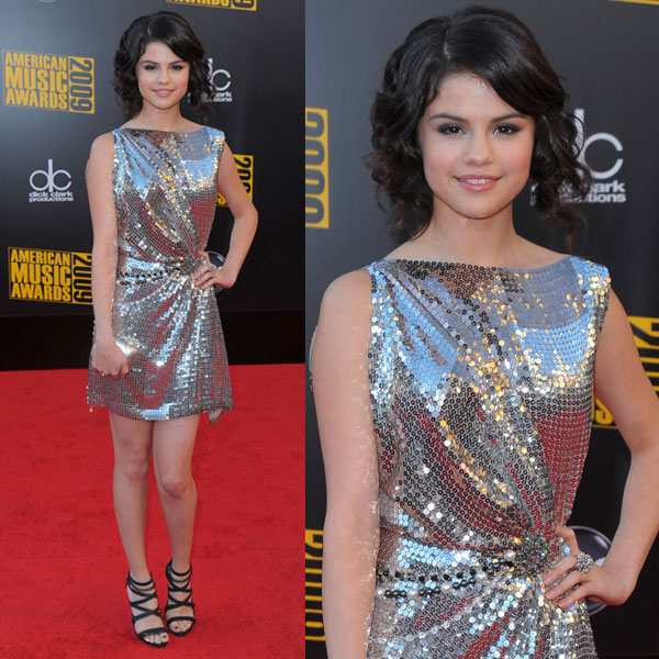 Photos of Selena Gomez at 2009 American Music Awards