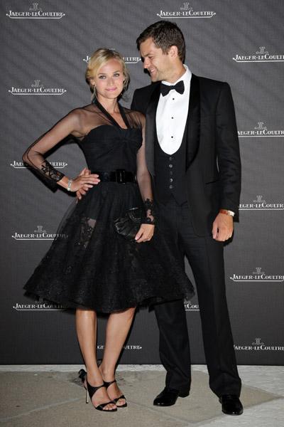 Diane Kruger and Joshua Jackson Red Carpet Photos 2009-12-04 05:50:22
