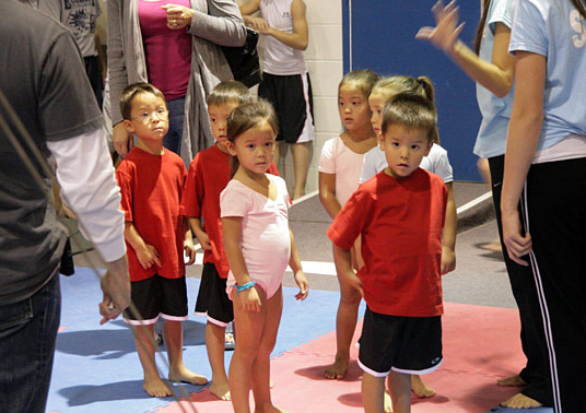 "Jon and Kate Plus 8: ""Gymnastics & Baseball"" Episode"