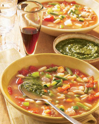 Slow Cooker Recipe for Chicken Minestrone Soup With Pesto