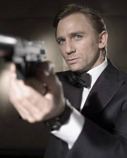 Sam Mendes in Negotiations to Direct Bond 23