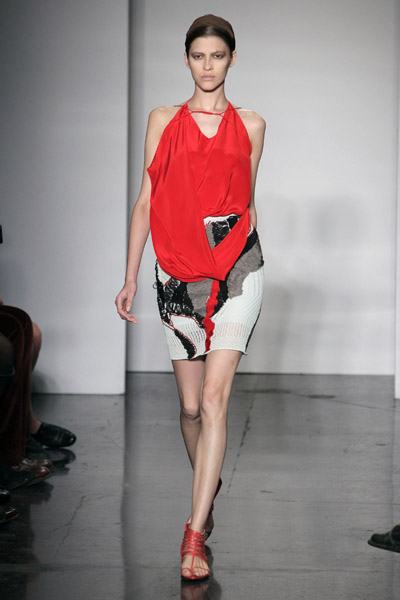 Ohne Titel Straddles Primitive Egyptian Modernity for Spring 2010