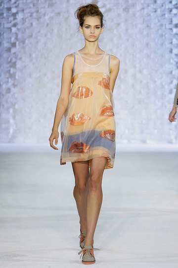 Alberta Ferretti's Spring 2010 Philosophy: Light, Gauzy, and Full of Lips