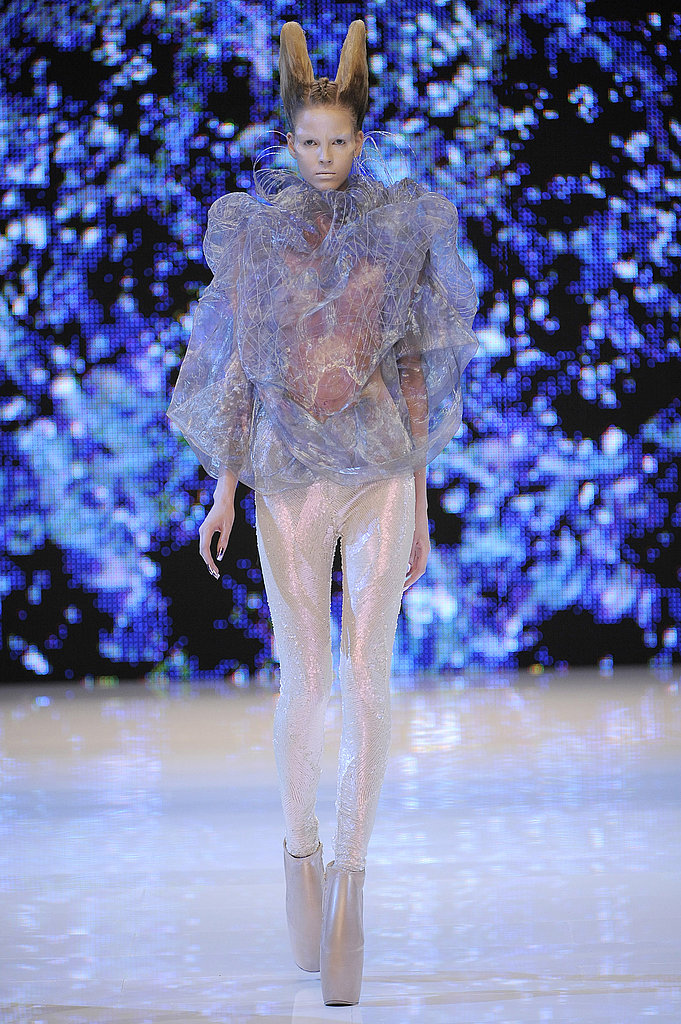 Alexander McQueen Shows Holographic Alien Beauties for Spring 2010